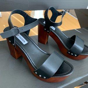 NWT Steven Madden Black Platform heels sz 8.5
